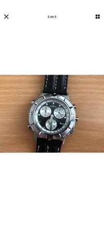 Relógio Fortis Quartz - modelo 524.10.120