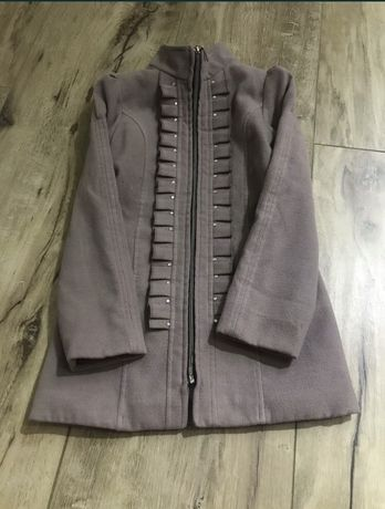 Гарне сіреньке пальтішко