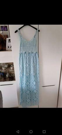 Letnia długa sukienka koronkowa - błękitna na ramiączkach