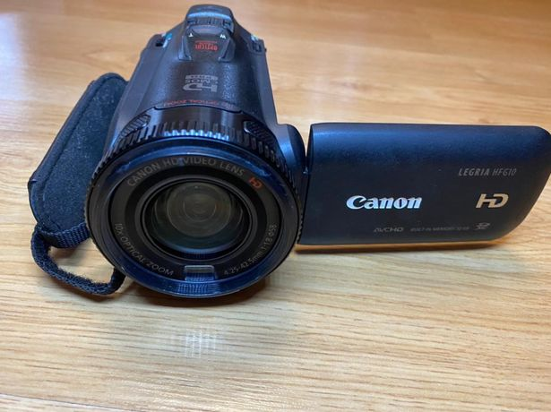 Продам профессиональную FullHD камеру Canon Legria HF G10