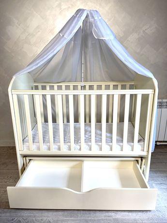 Продам детскую кроватку (полный комплект)