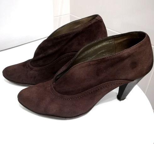 Sapatos Tipo Botins de Camurça Castanhos da Seaside