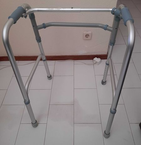 Andarilho para Idoso de Aluminio