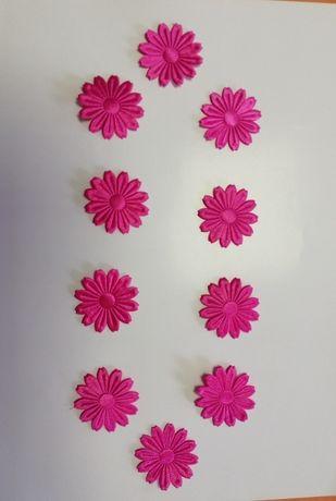 Kwiaty z materiału pikowane 4 cm różowe