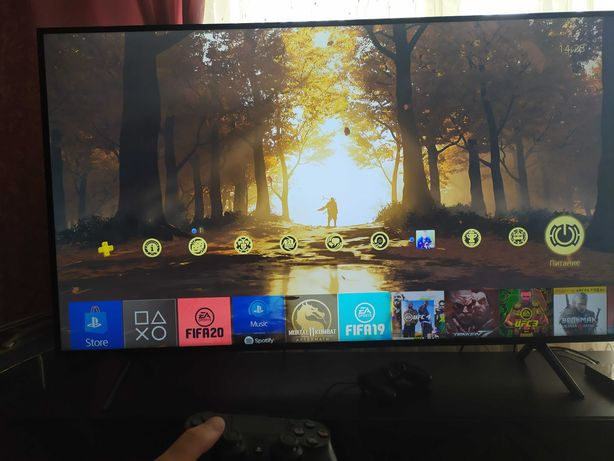 Продам PS 4 Pro CUH 7208B + 2 геймпада + игры