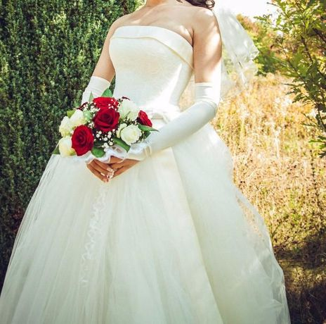 Нежное и красивое свадебное платье!