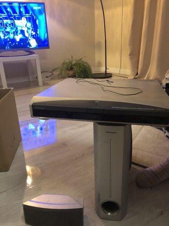 DVD odtwarzacz Pioneer + 4 małe głośniki + jeden duży głośnik