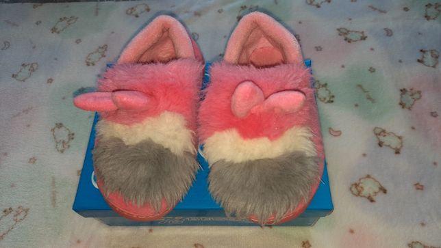 Тапочки на меху для девочки.