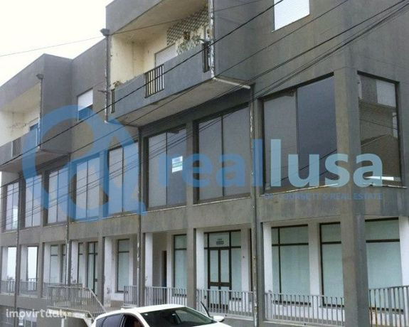 Armazém c/ 3 pisos 907m2 Paços de Ferreira, Freamunde. Excelentes cond