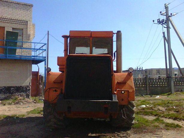 Продам фронтальный погрузчик Кировец К702 М