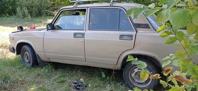 Автомобиль ВАЗ2107
