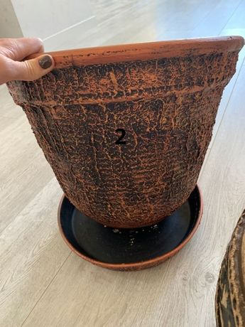 Продам керамический горшок в отличном состоянии
