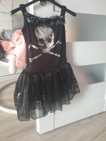 Sukienka na bal.