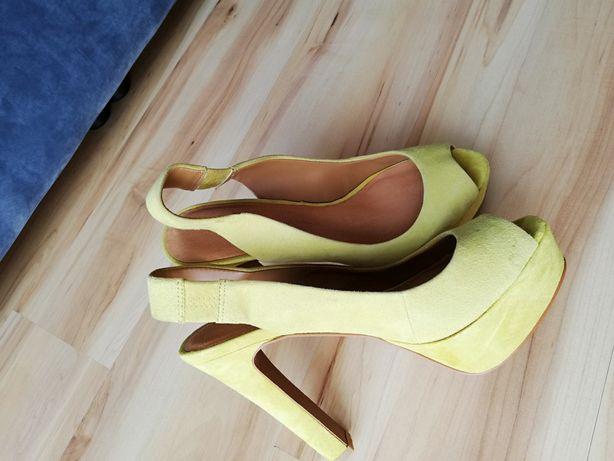 Sandałki ZARA R. 39