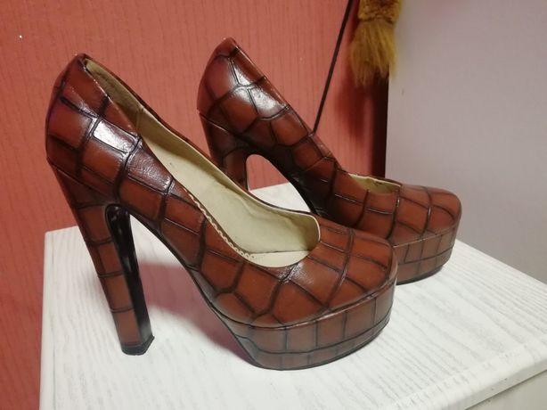 Туфли , туфельки на каблуках