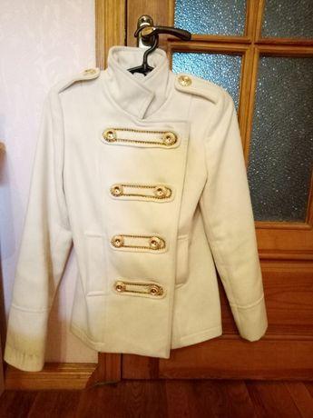 Пальто белое venefika vestis