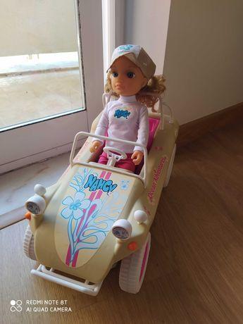 Nancy Aventura com carro