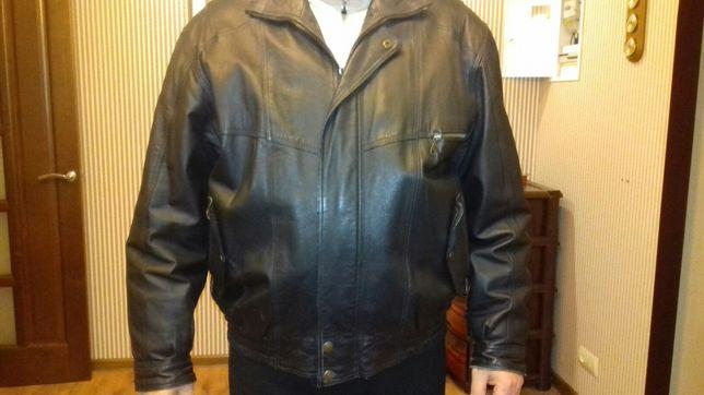 Демисезонная, мужская курточка,кожаная.