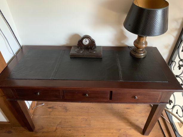 Piękne biurko lite drewno blat skóra szuflady