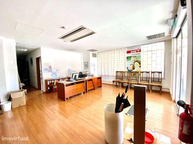 Loja, escritório ou clínica em Telheiras, 369m2 de área