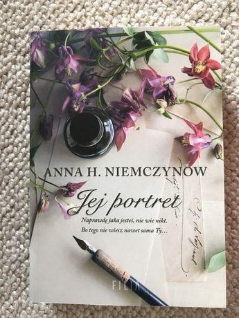 Jej portret - Anna Niemczynow