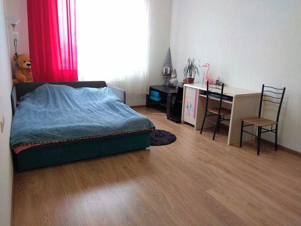 Светлая 1 комнатная квартира с балконом Альтаир 2 долгосрочно