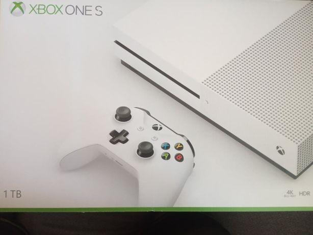 Xbox One S 1TB z napedem Blu-Ray