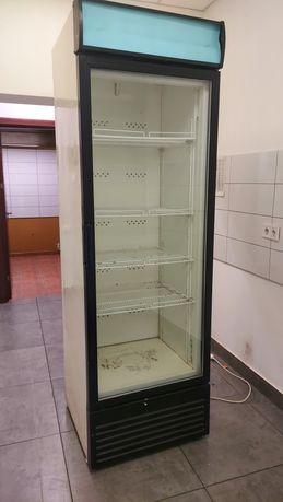 Холодильник, холодильний шкаф