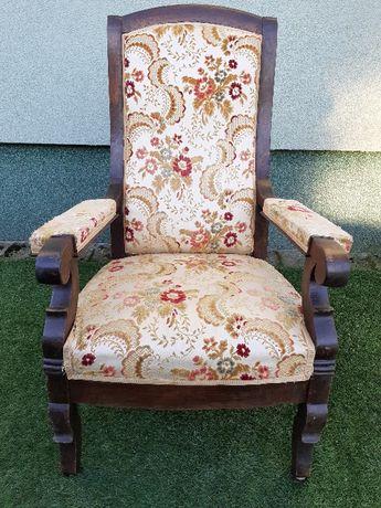 stylowy stary fotel Tron