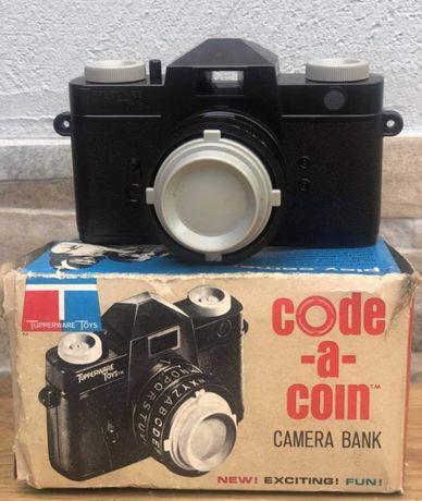 Máquina fotográfica de brincar antiga - vintage