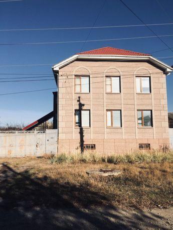 Продаётся дом в Луганске 300 кв.м.
