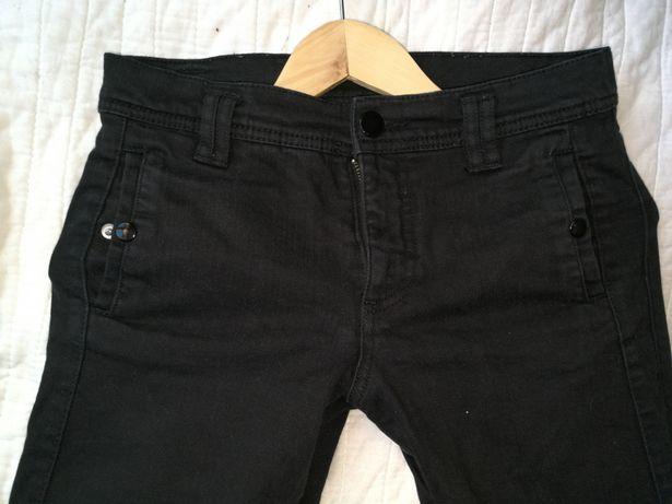 Czarne jeansy marki H&M w rozmiarze 36