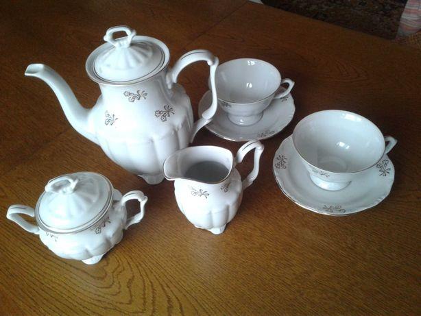 Serwis kawowy 12 os. porcelana Wałbrzych