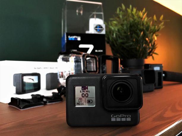 GoPro Hero 7 Black | Ładowarka + baterie + uchwyt + akcesoria | Zestaw