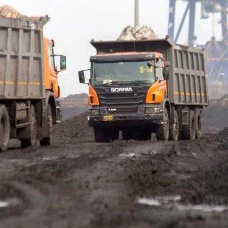 Безпосередньо з кар'єравід 25 тонн - Шлаки, Відсів, Пісок, Щебінь.