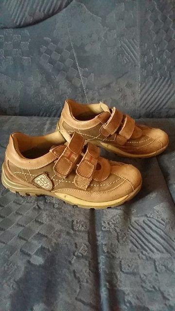 Кожаные кроссовки и туфли-макасины р 30