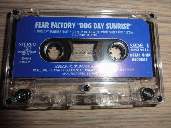 Kasety magnetofonowe Metal Mind Records z niebieską naklejką