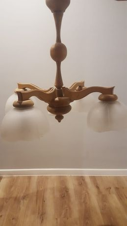 żyrandol drewniany lampa drewniana z czterema 4 kloszami