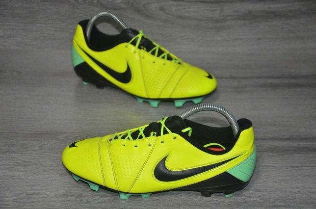Продам копы кроссовки для футболу  NIKE LIBRETTO III .