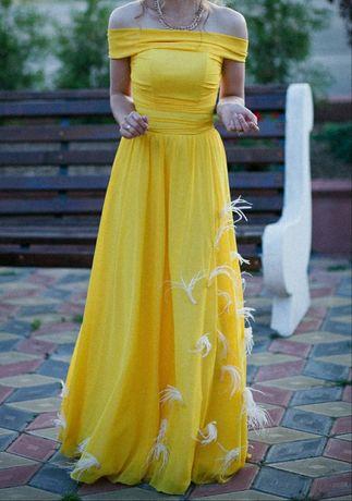 Вечерние платье.