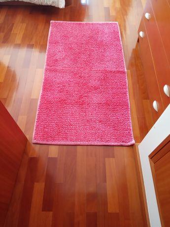 Novo Preço Tapete de quarto rosa como novo