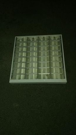 Продам светильник дневного света на 4 лампы(с лампами,обычный)б/у.