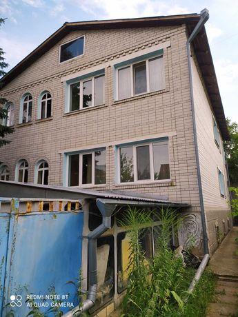 Продам 2-х поверховий будинок на 2 входи  + 16сот м.Бориспіль.