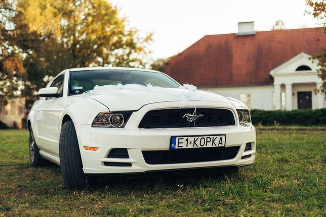 Biały Ford Mustang do Ślubu
