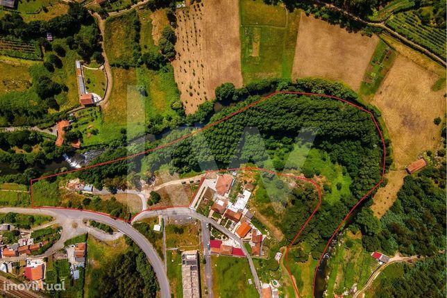 Terreno adjacente ao rio com 10.740 m2 | Moinhos centenários | Próximo