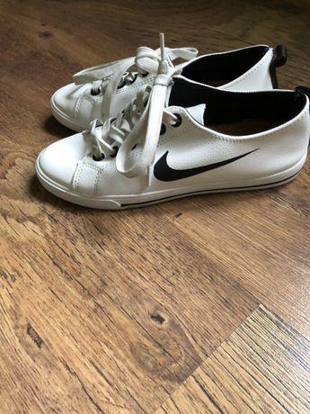 Buty Nike rozm 36 ( 22 cm)