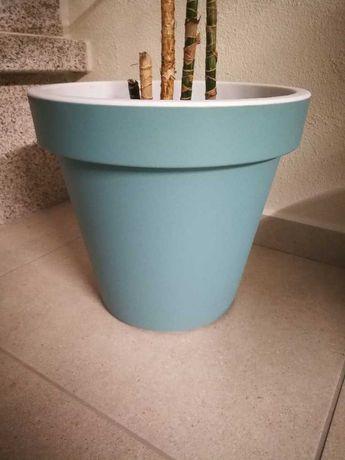 vaso em Plastico azul - tenho 2 unidades