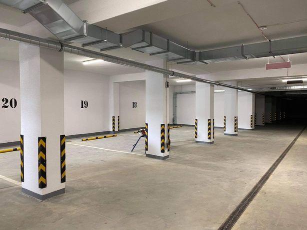 Miejsce parkingowe / postojowe / garaż / ul. Krajobrazowa
