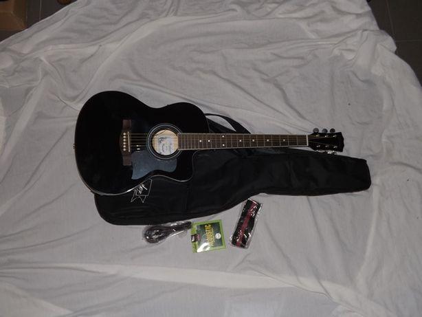 Guitarra folk e kit marca Santander