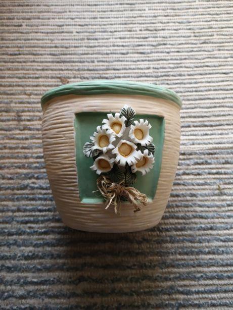Ceremiczna osłonka na kwiaty